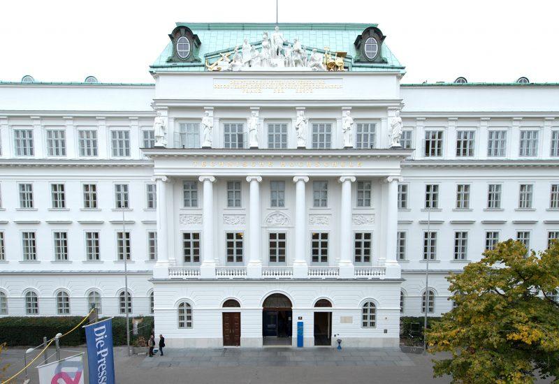 TU Wien Hauptgebäude - Karlsplatz 15